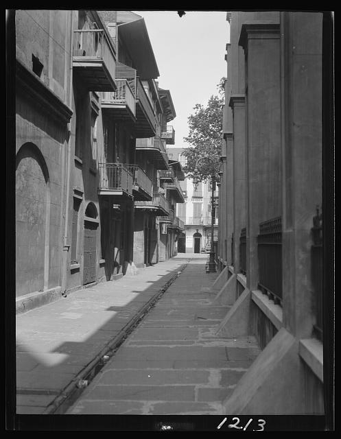 Pirate's Alley, same view, sans people, circa 1920