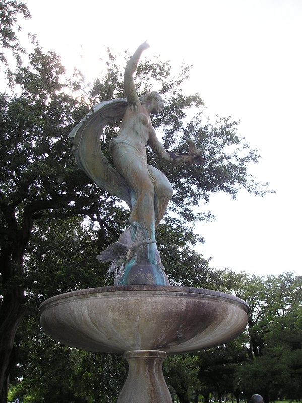 Gumble fountain statuary, 1920s