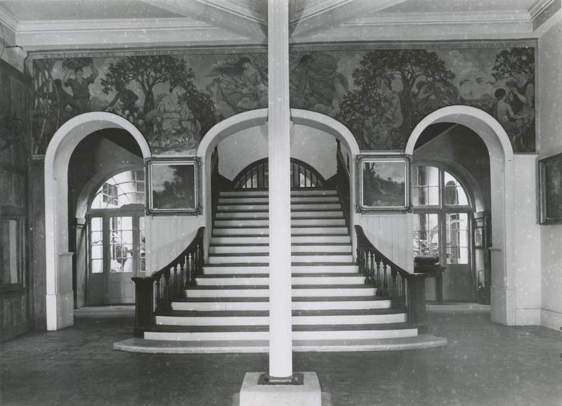 Presbytere's interior staircase, early 1900s