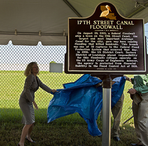 Unveiling the Louisiana State Historic Placque