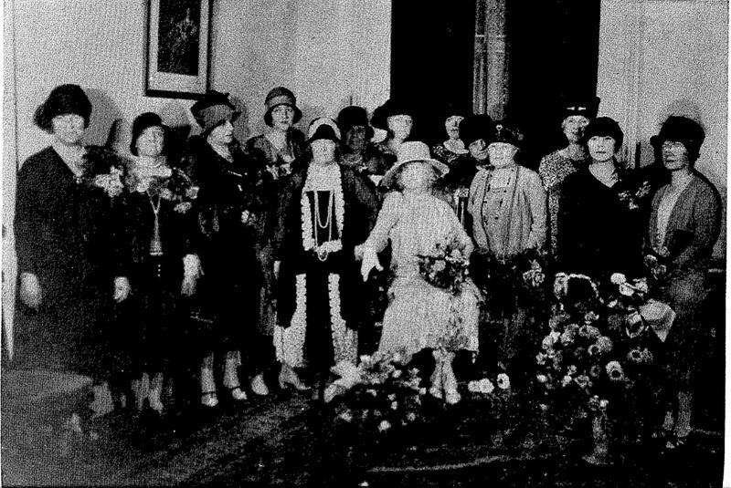 Members of Le Petit Salon