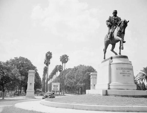 Beauregard Statue with Monteleone Gates in the background.